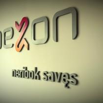 MEZON logotipas ant sienos pagamintas iš 10mm storio PVC plastiko @ Tauragė