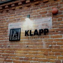 KLAPP apšviesta iškaba prie įėjimo @ Kaunas