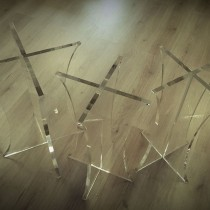 Stoveliai pagaminiti iš 20 mm storio Plexiglas® stiklo